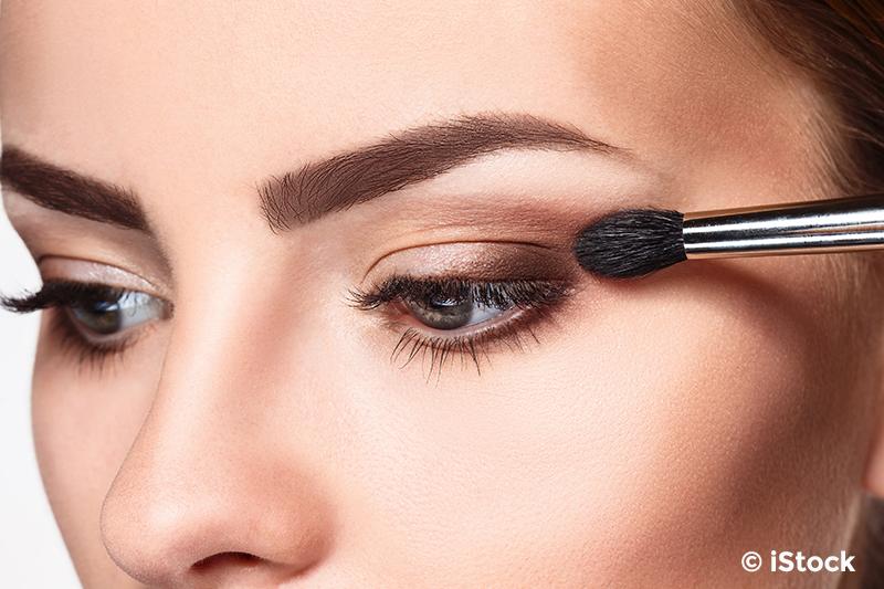 Blickfang Braun Und Taupe Betonen Augen Schminken Anleitung